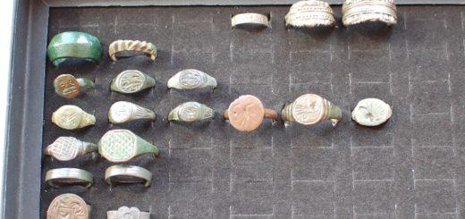 Органайзер для хранения копанных колец и находок