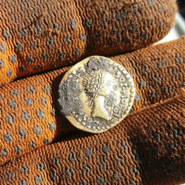 Находка Римская золотая монета Ауреус коп по монетам