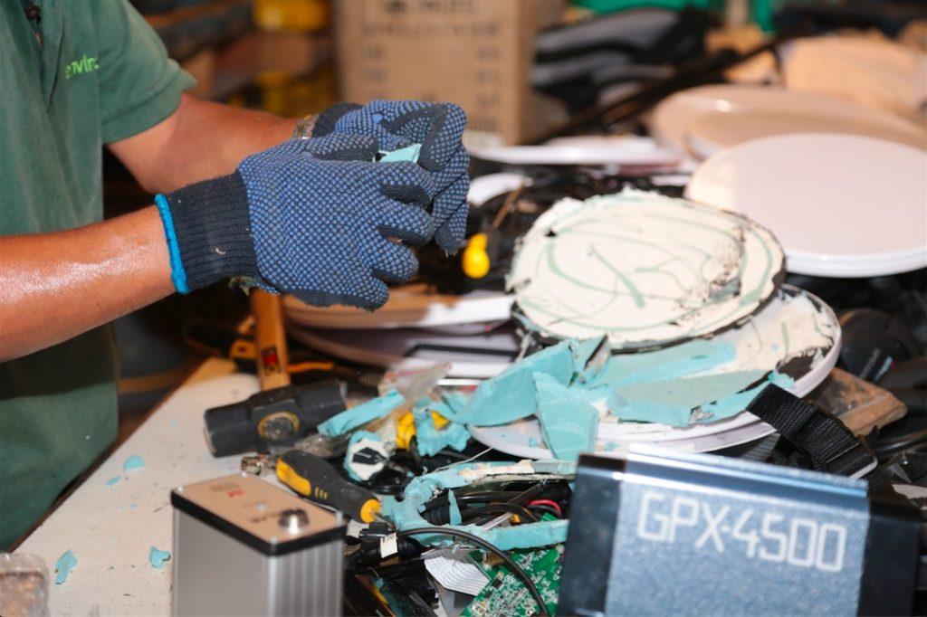 Уничтожить детекторы на сумму $9 млн? Как Minelab уничтожает поддельные приборы (фото хоть плачь+)
