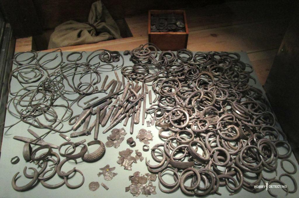 Когда браслеты викингов копают ведрами (фото+)
