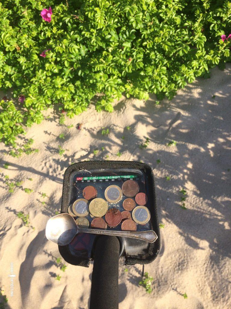 Makro Racer 2 - монетный пылесос (обзор по итогам сезона)