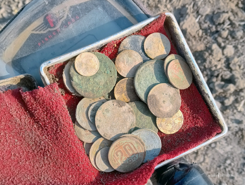 Как распашка поля влияет на появление «новых» монет