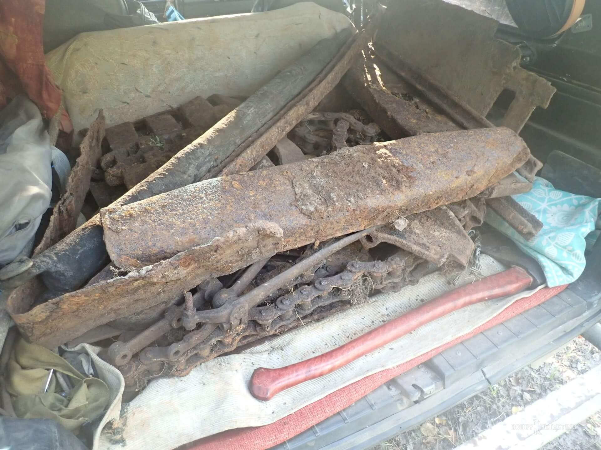 Металлолом который мы копаем, чей он, по закону???
