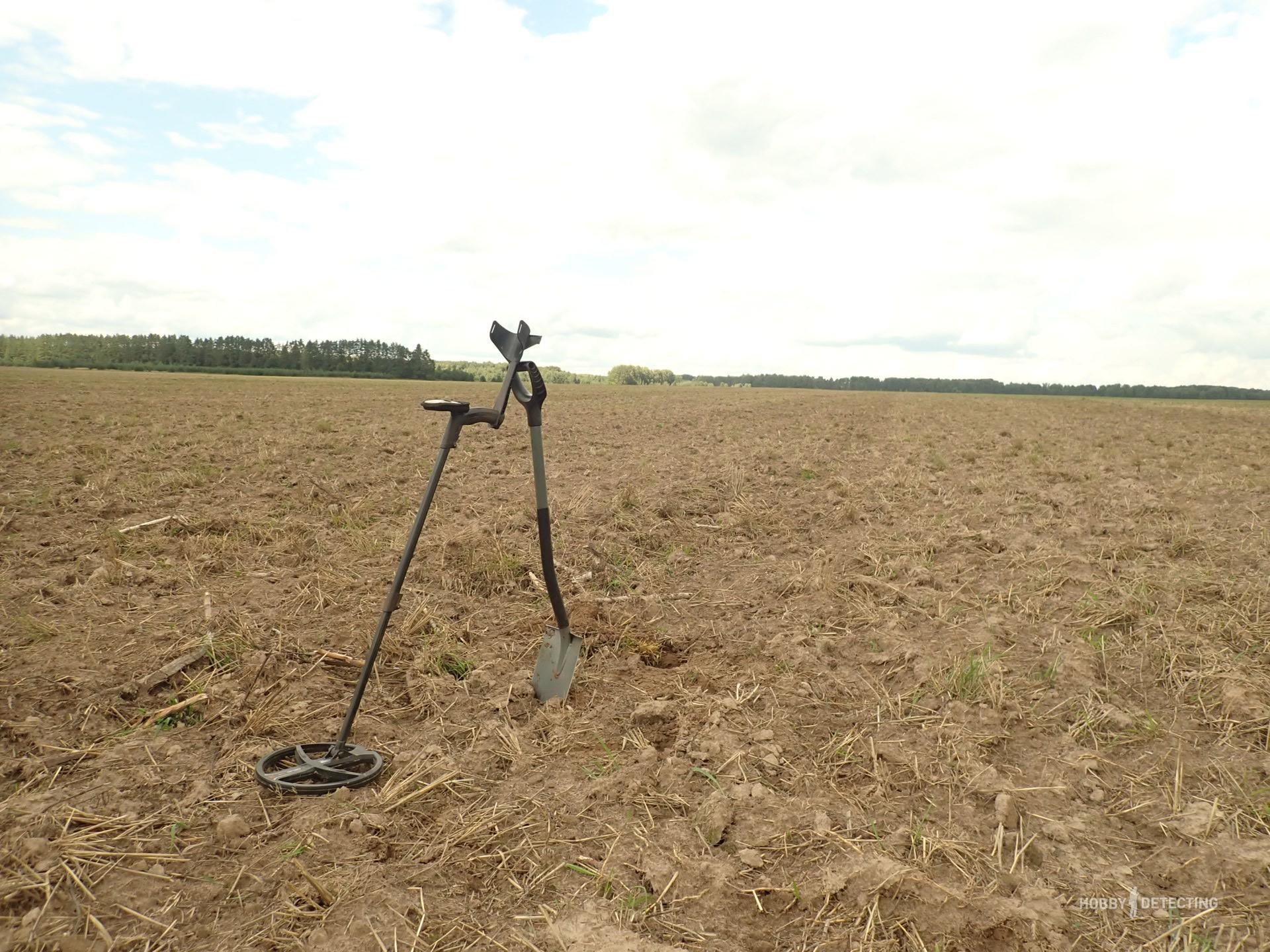 И, вот, распахали поле, а я ждал этого момента почти что год