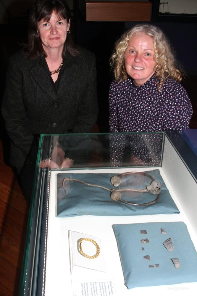 Пенсионерка из Британии, при помощи металлоискателя, нашла два клада всего за один год