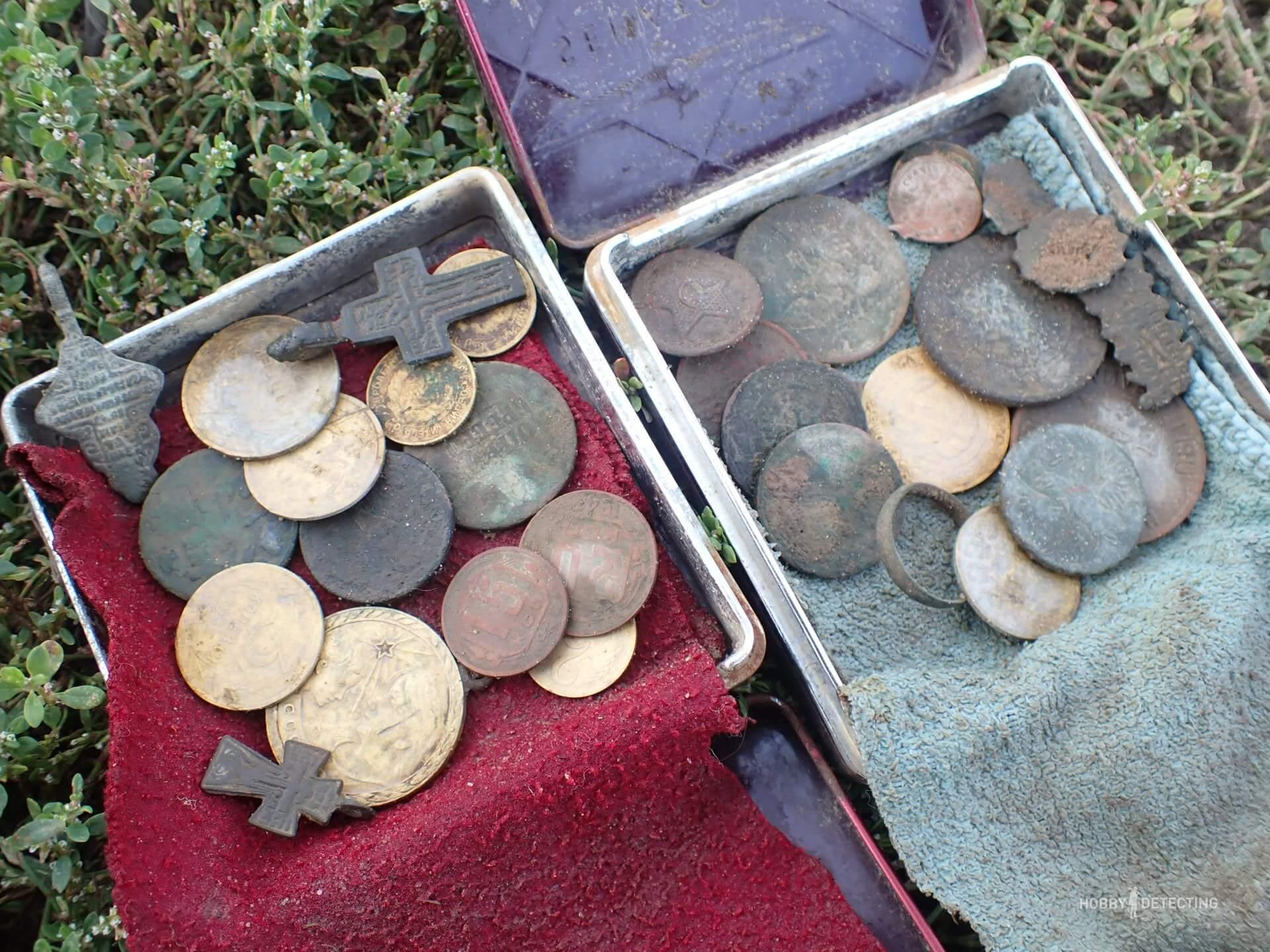 Друг приехал в гости. За день осилили три поля, нашли две медали и одну редкую монету