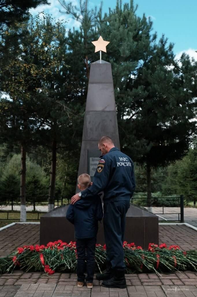 Захоронение 17 погибших воинов